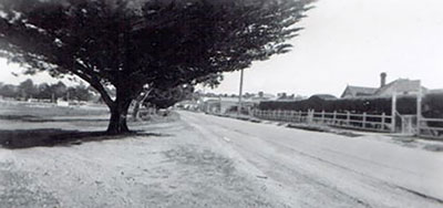 View of the Esplanade, Paynesville, 1960s