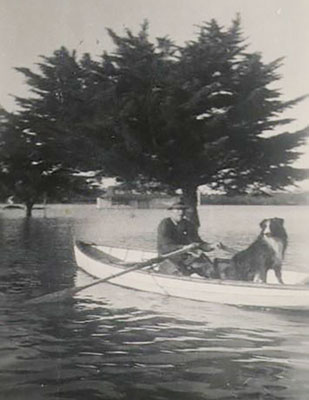 Don Gilsenan and his faithful crew in the 1952 floods
