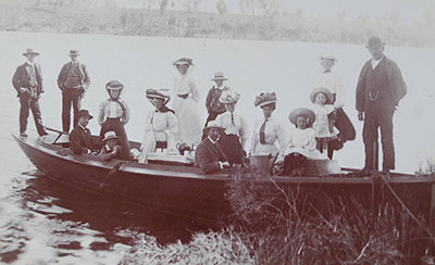 AJ Gilsenans boat Jeanarra and party at Duck Arm, possibly 1910